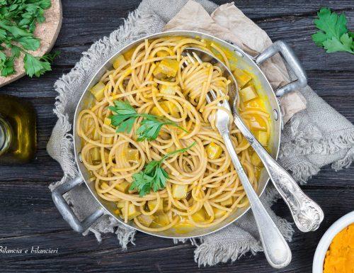 Spaghetti integrali alla zucca con seitan e curcuma