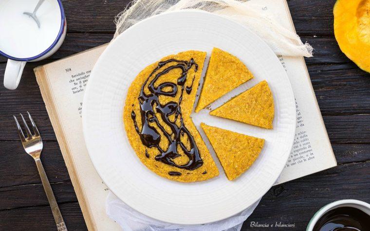 Pancake vegan alla zucca e cocco con dressing al cioccolato