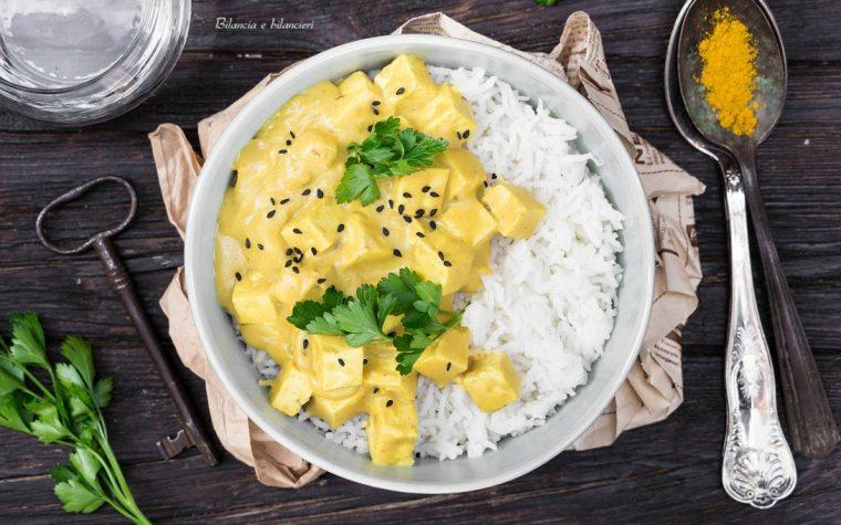 Riso basmati con spezzatino di tofu al curry