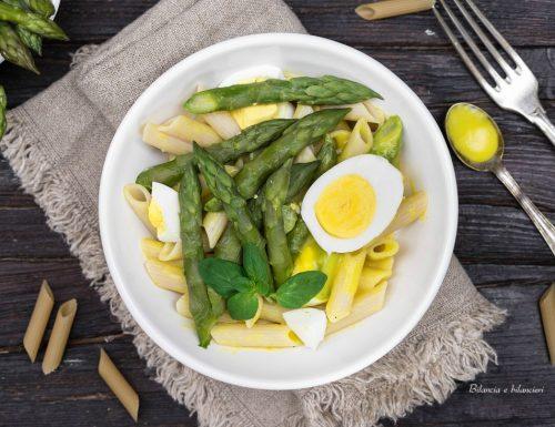 Insalata di pasta con asparagi uovo e maionese vegan
