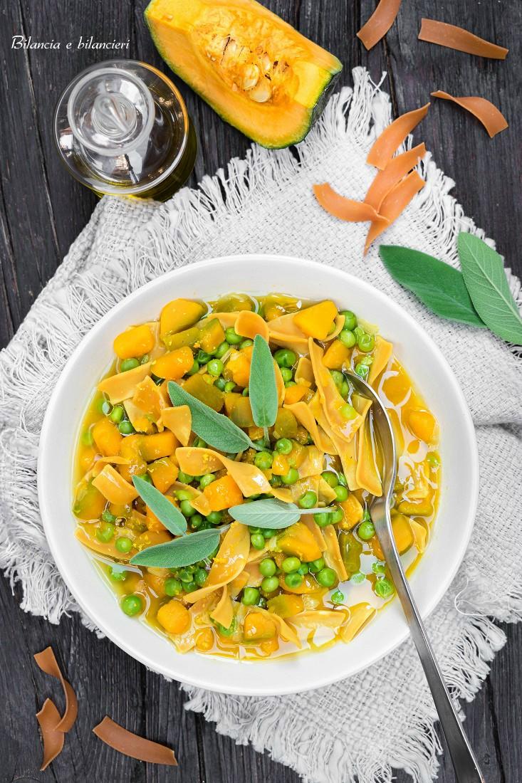 Zuppa di Zucca Delica e Pisellini con Pasta Proteica
