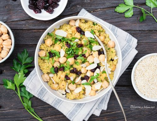 Insalata di quinoa e ceci alla marocchina