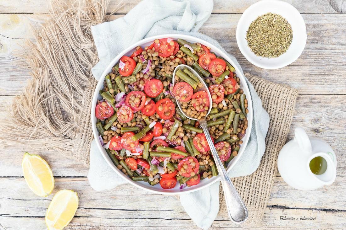 Insalata di lenticchie con fagiolini e pomodori pachino
