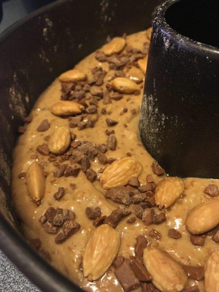 Impasto molto sodo - Ciambella Mandorle e Cioccolato (senza uova)