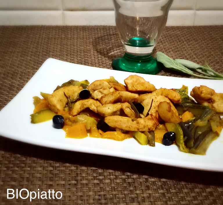 Straccetti di pollo alla liquirizia su verdure appassite