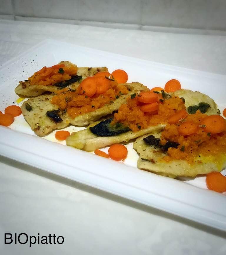 Scaloppine di pollo con salsa di carote