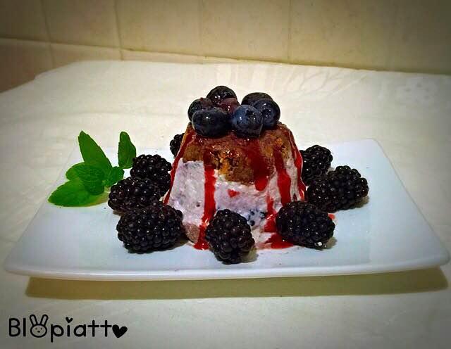 Mini cheesecake cuore di more ricotta e yogurt