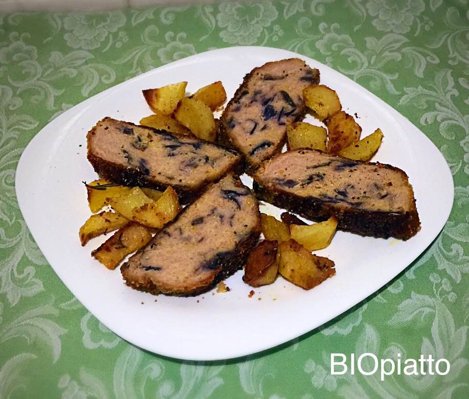 Polpettone di pollo e krauto rosso con patate