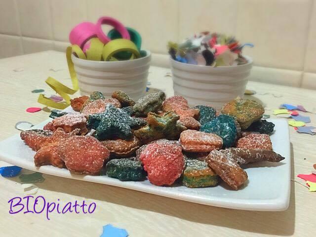 Coriandoli di frolla biscottini di carnevale