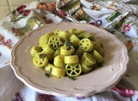 Ruote pesto di basilico e semi di zucca