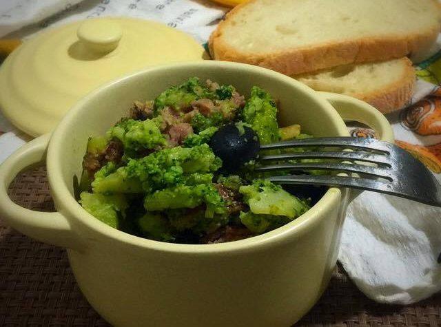 Broccoli siciliani con salsiccia di prosciutto