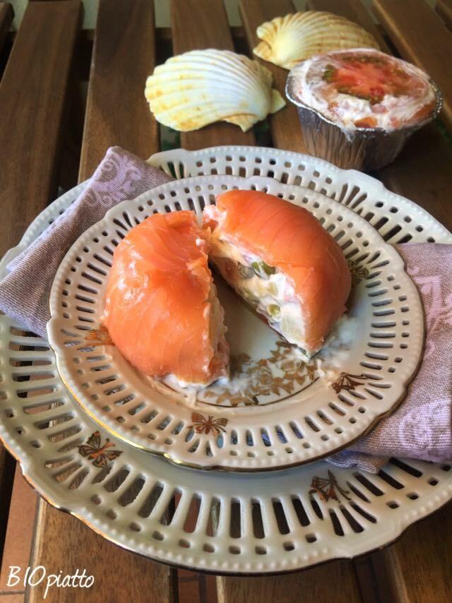 Tortino di insalata russa vegetale e salmone il tortino fresco e appetitoso - Apericena cosa cucinare ...