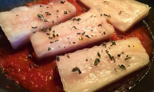 Filetti di merluzzo alla pizzaiola e curcuma