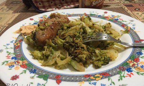 Broccoletti e salsicce con curcuma e pepe