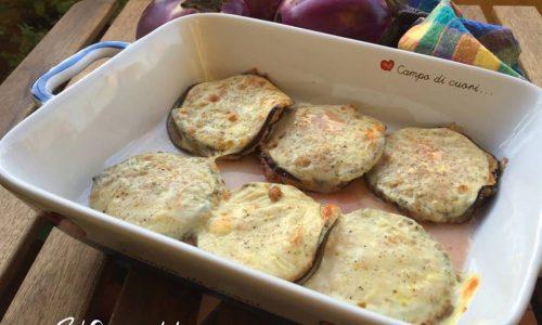 Medaglioni di melanzane con carne macinata e scamorza