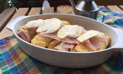 Involtini di pollo in forno panati e ripieni