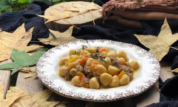 Gnocchetti peperoni salsiccia e finocchiella