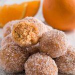 Tartufini di pandoro all'arancia e cocco