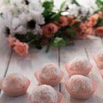 Tartufini di pandoro e fragole