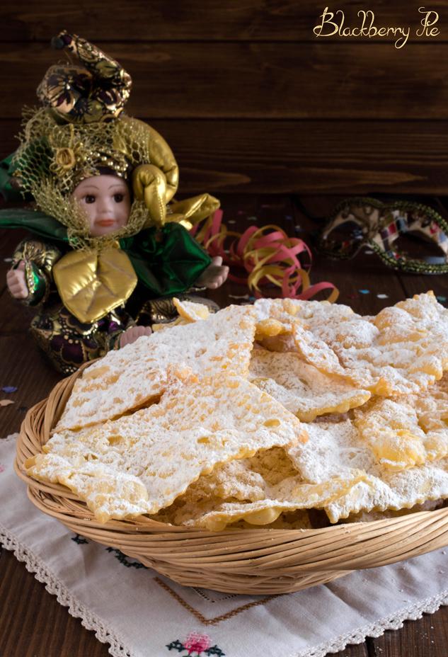 crostoli o galani ricetta tradizionale