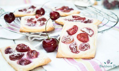 Sfogliatine con ricotta e ciliegie
