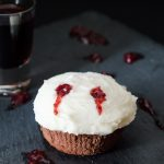 Cupcakes Morso del Vampiro - ricetta di Halloween
