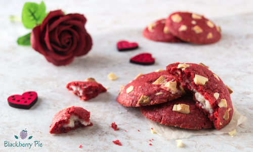 Red Velvet Cookies ripieni di crema al Philadelphia