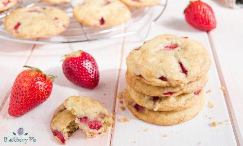 Cookies alle fragole e cioccolato bianco