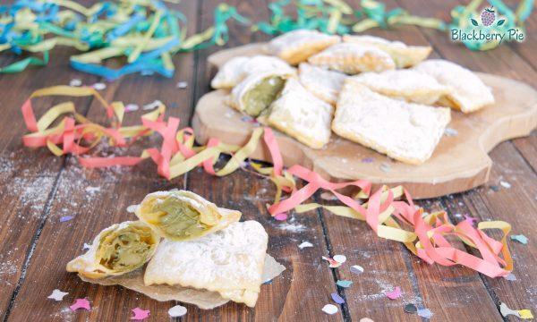 Chiacchiere ripiene al pistacchio – ricetta di Carnevale