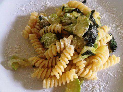 Pasta con zucchine ricetta vegetariana