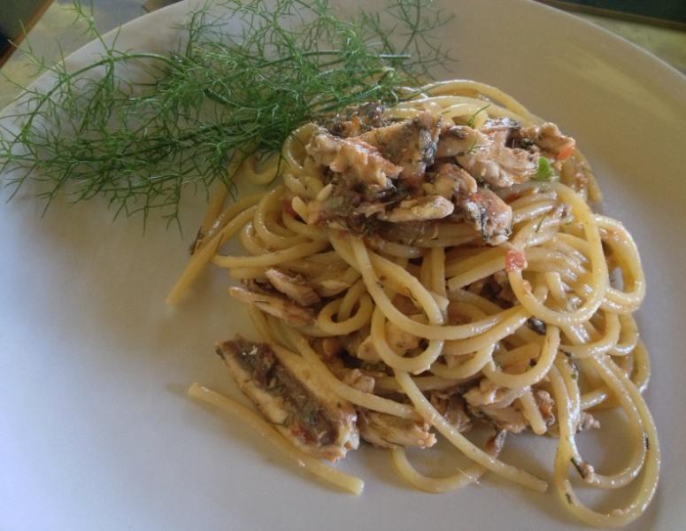 Spaghetti con alici fresche e fionocchietto