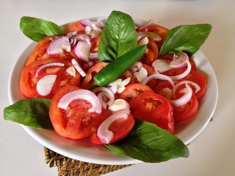 Pomodori affettati...semplici e gustosi