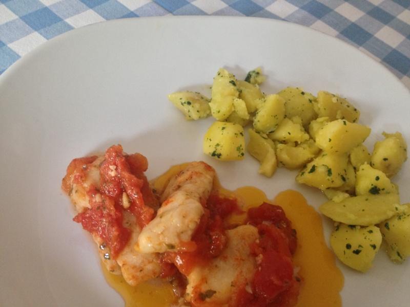 bocconcini di merluzzo con cipolla e pomodorini