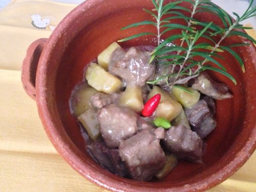 Spezzatino di carne  con patate piatto tipico
