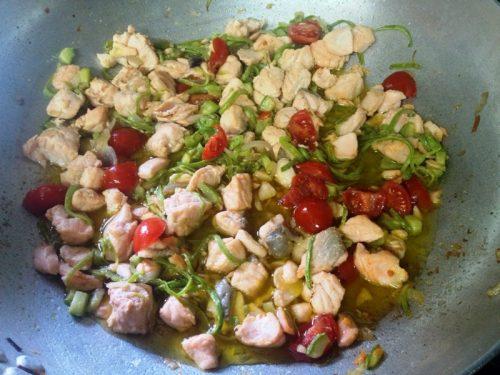 Salmone fresco con zucchine