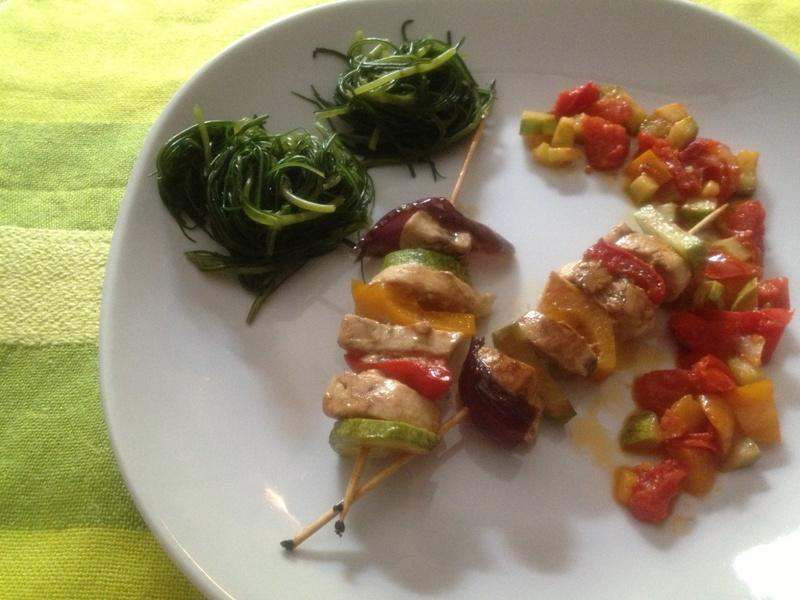 Spiedini di pesce spada e verdure
