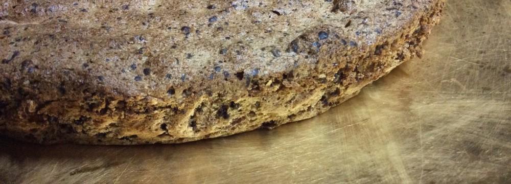 Torta di noci ricetta morbida senza farina