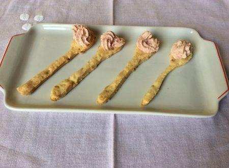 Cucchiaini  di frolla salata con mousse