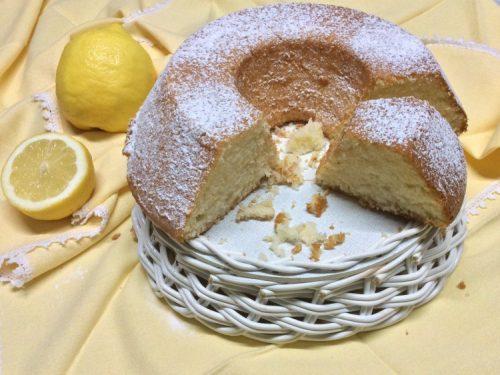 Ciambella morbida al limone