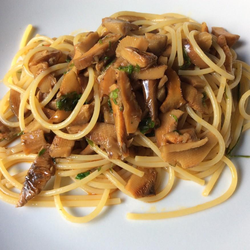 Spaghetti e funghi rositi