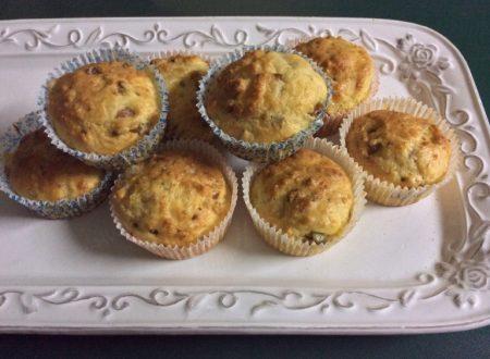 Muffins salati con scamorza affumicata