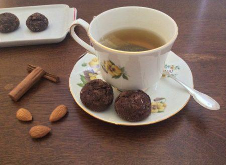 Biscotti con cannella e cacao