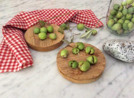"Olive verdi schiacciate o "" pistati"""