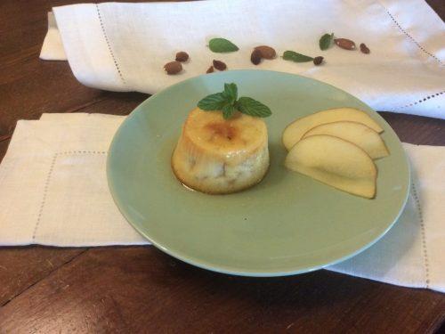 Budino delizioso con le mele