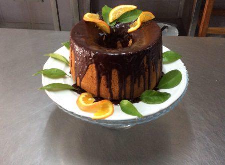 Chiffon cake alle arance di Calabria con uvetta