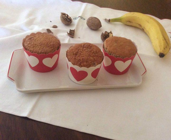 Tortine con banana e noci