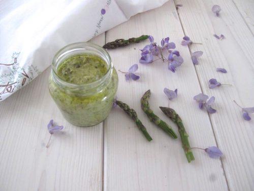 Crema di asparagi deliziosa per le vostre tartine e non solo
