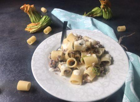 Pasta con fiori di zucca macinato e camoscio d'oro