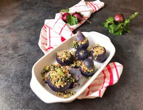 Cipolle rosse ripiene di quinoa bulgur e zucchine