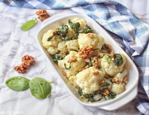 Cavolfiore con spinaci e noci